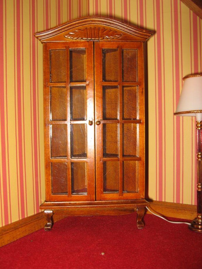 Mueble vitrina rinconera nogal miniatura esc 1 12 for Mueble vitrina