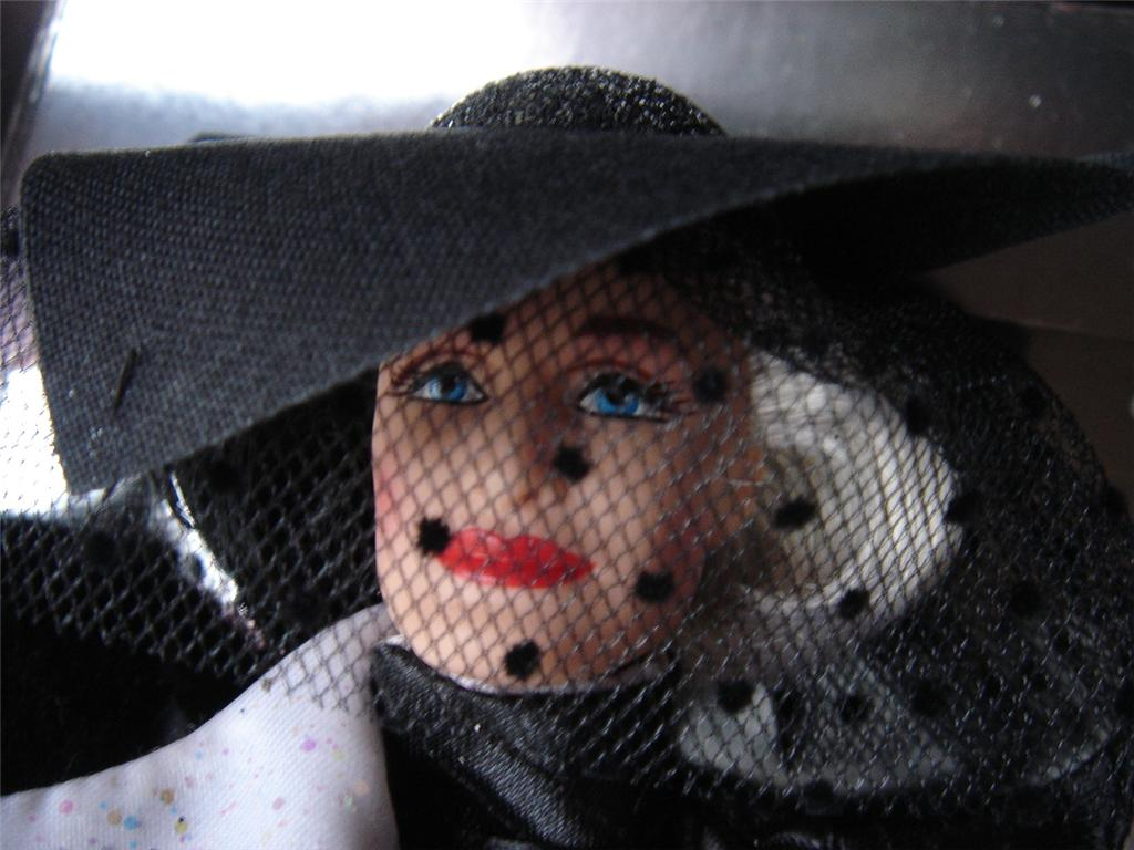 Cruella_De_Vil_Great_Villians_Collection_Barbie-nobb.jpg
